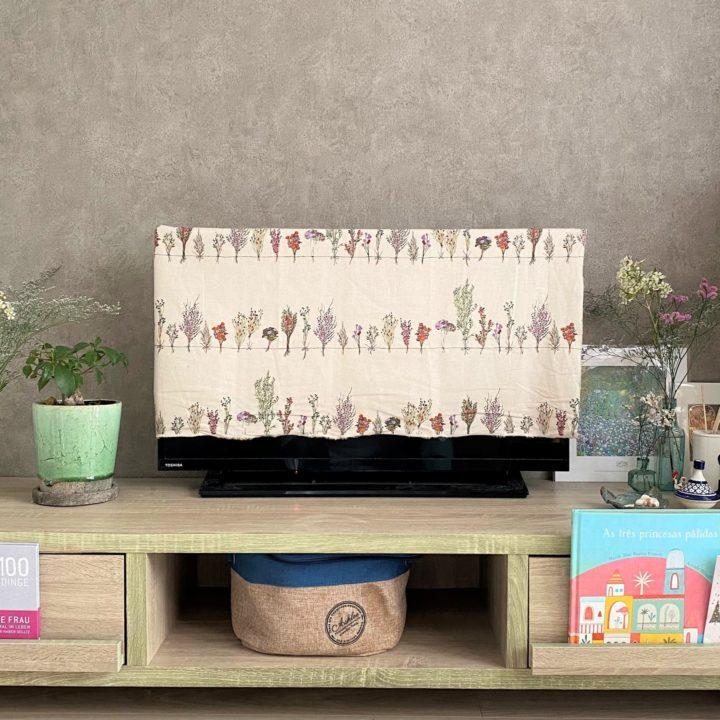 「家族の一員」テレビ台の飾りにインテリア以上の価値を感じる時の画像