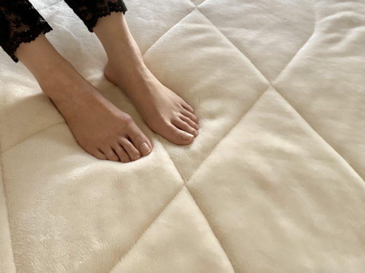 冬は寝具も衣替え。通販でそろえる、あったか敷きパッドと毛布の画像