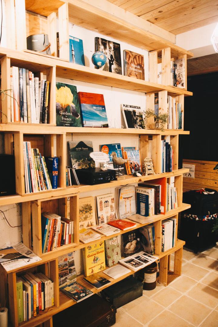新宿のブックカフェ一覧~ゆったり読書できるおすすめ読書空間の画像