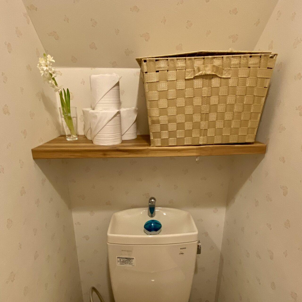トイレ上の収納棚完成の画像