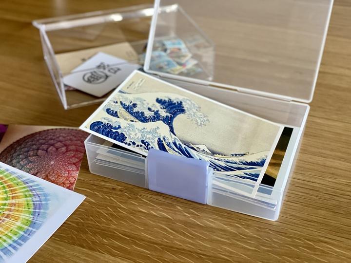つい買ってしまうポストカードは、雑貨を使ってすっきり収納の画像