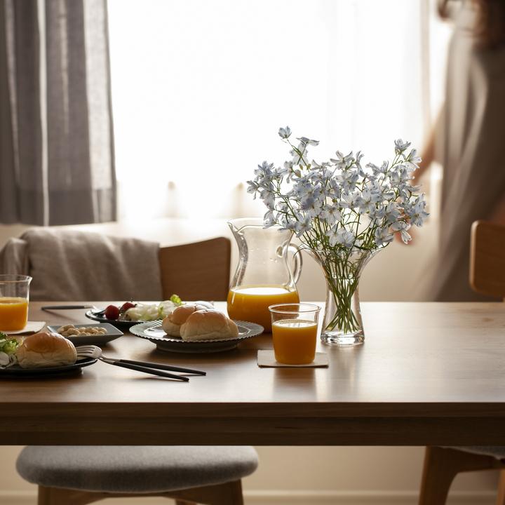 花 ダイニングテーブル 飾り方