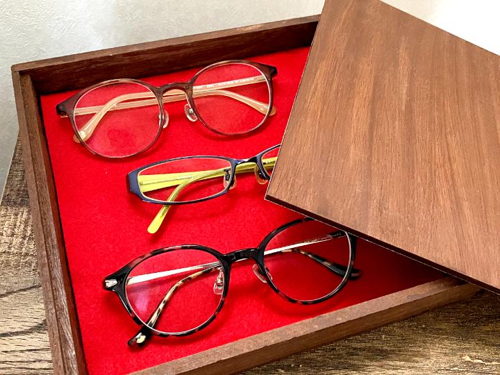 意外⁈な100均グッズでできる複数のメガネの収納方法6選の画像