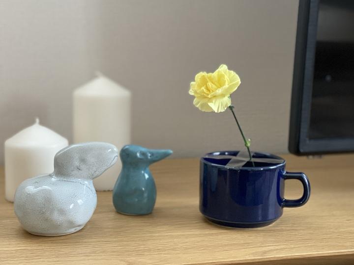 花瓶 代用 マグカップ セロハンテープ