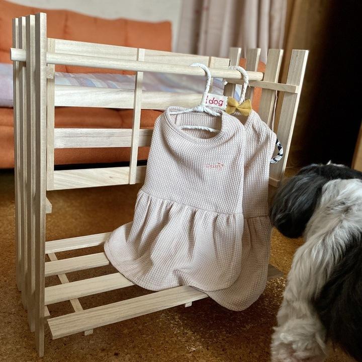 犬服ハンガーラックと愛犬
