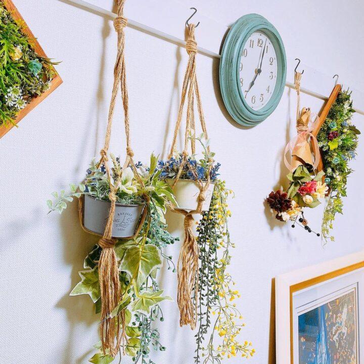 ハンギングプラントの壁掛けフェイクグリーンの飾り方