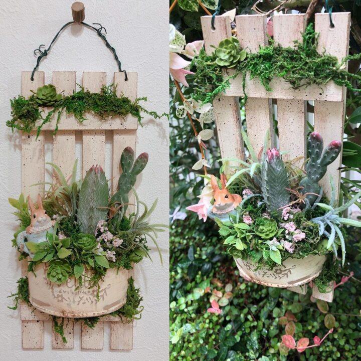 アンティーク風の壁掛けフェイクグリーンの飾り方