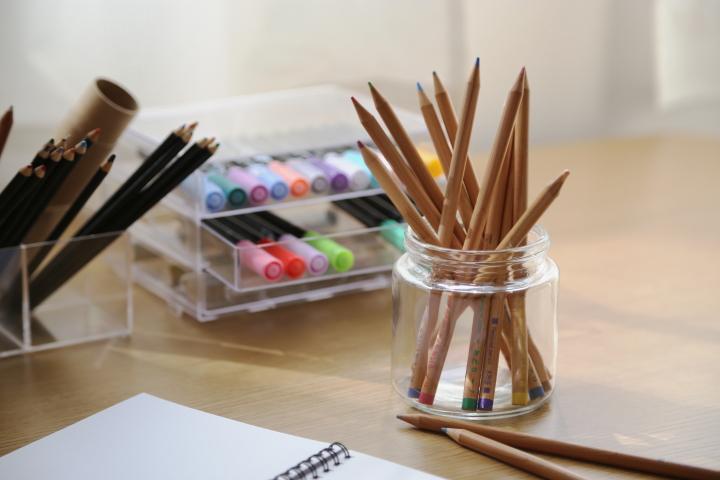 雑貨|大人の色鉛筆収納~大量でも使い易い!おしゃれな手芸収納の画像