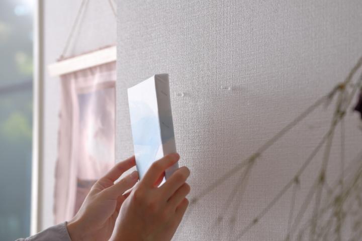 キャンバスアートの飾り方|額縁の選び方や壁を傷付けない方法の画像